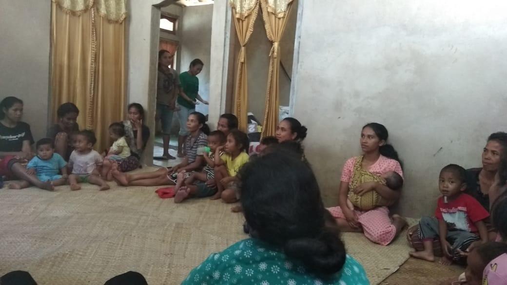 Bangun PAUD Melalui Swadaya Masyarakat Di Wae Aur Desa Beo Rahong