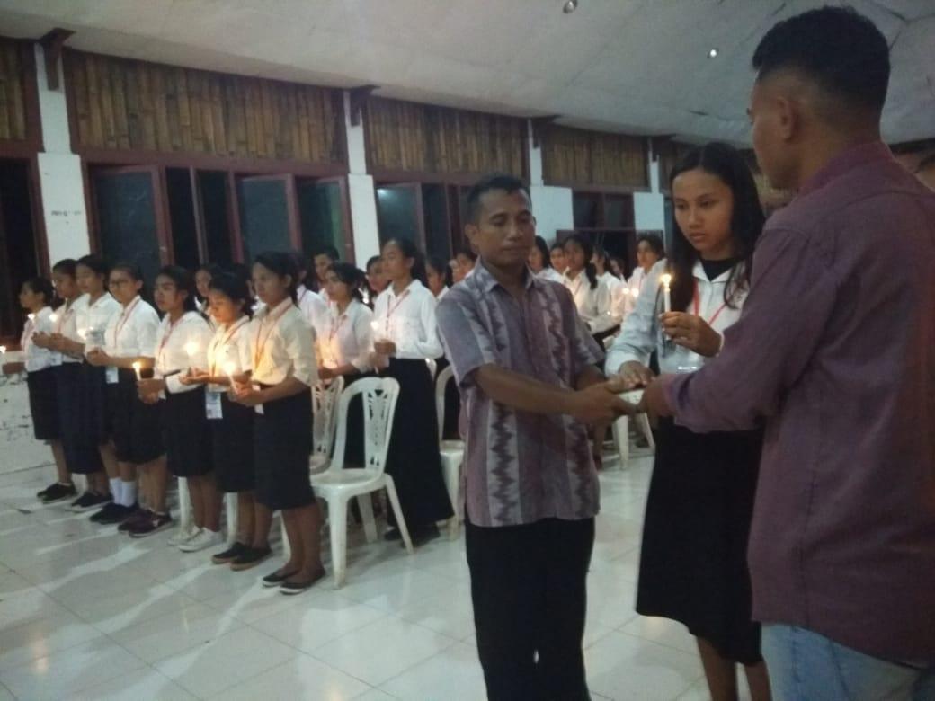 119 Anggota Baru Keluarga Mahasiswa Katholik (KMK) FKM UNDANA Resmi Dilantik