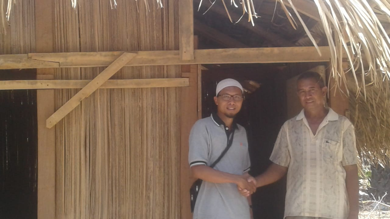 Petani Garam Desa Oebelo Kabupaten Kupang Dibantu Dosen FKM Undana