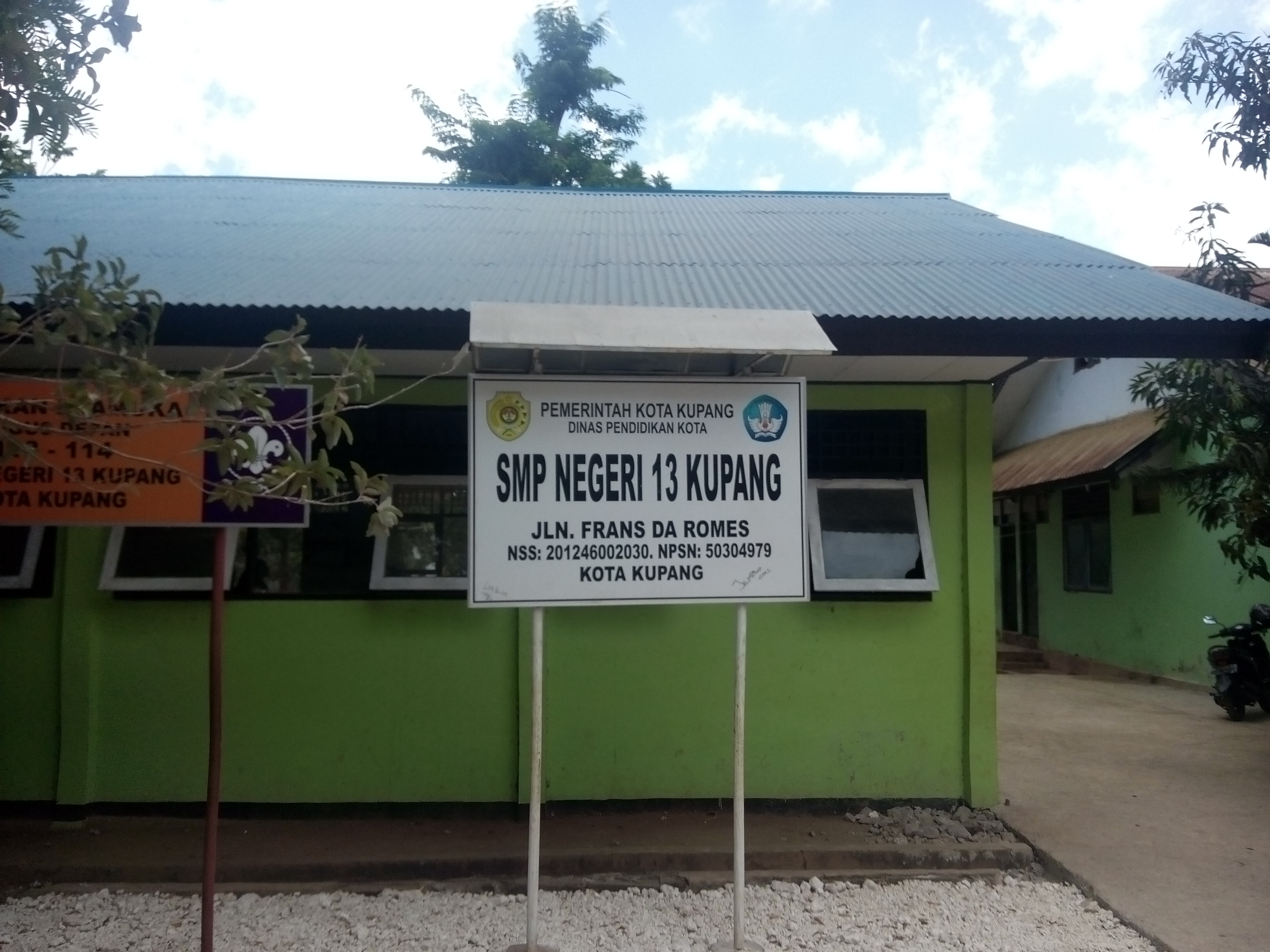 Diduga Plt. Kepsek SMP Negeri 13 Kota Kupang Nekad Lakukan Pungli