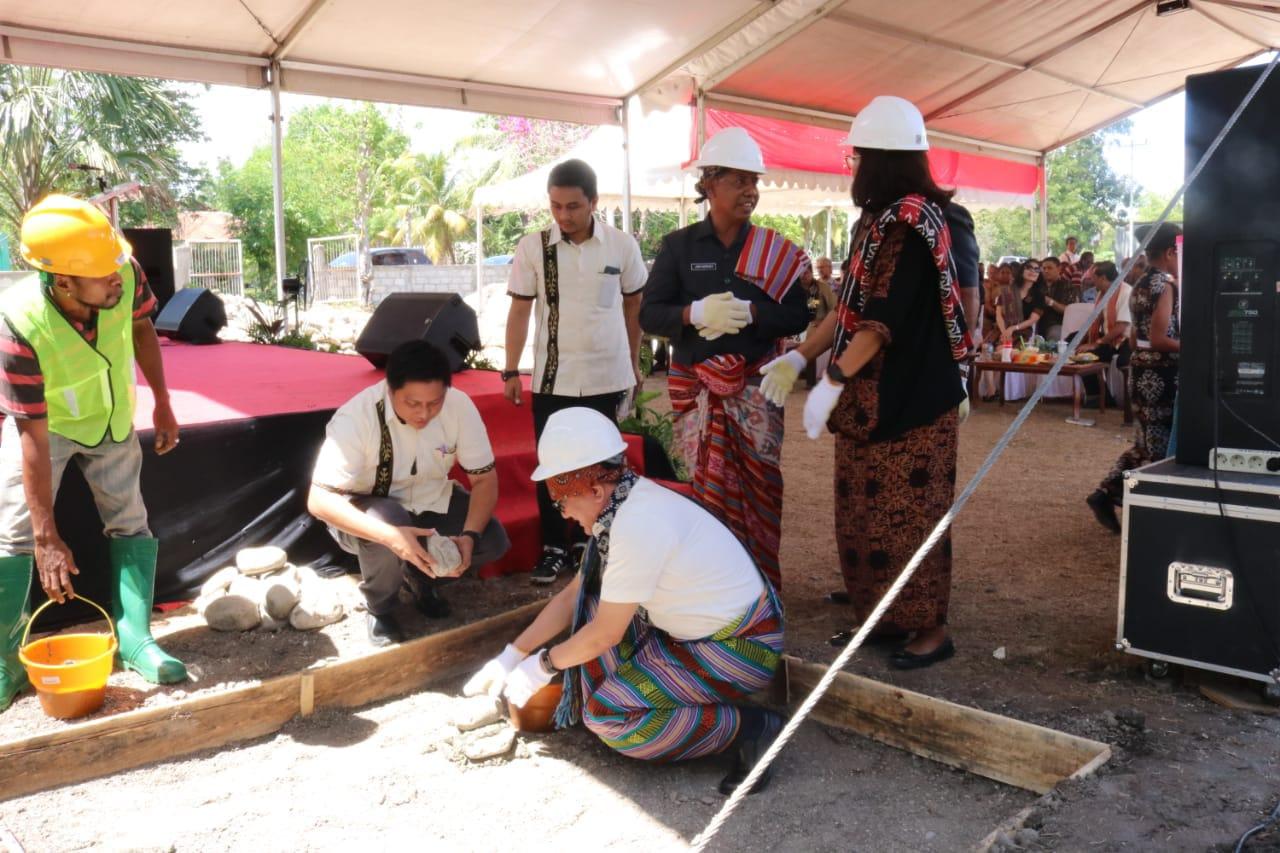 Joni Nomseo Ucapkan Terima Kasih Atas Bantuan YPA-MDR Untuk Sekolah di Kabupaten Kupang