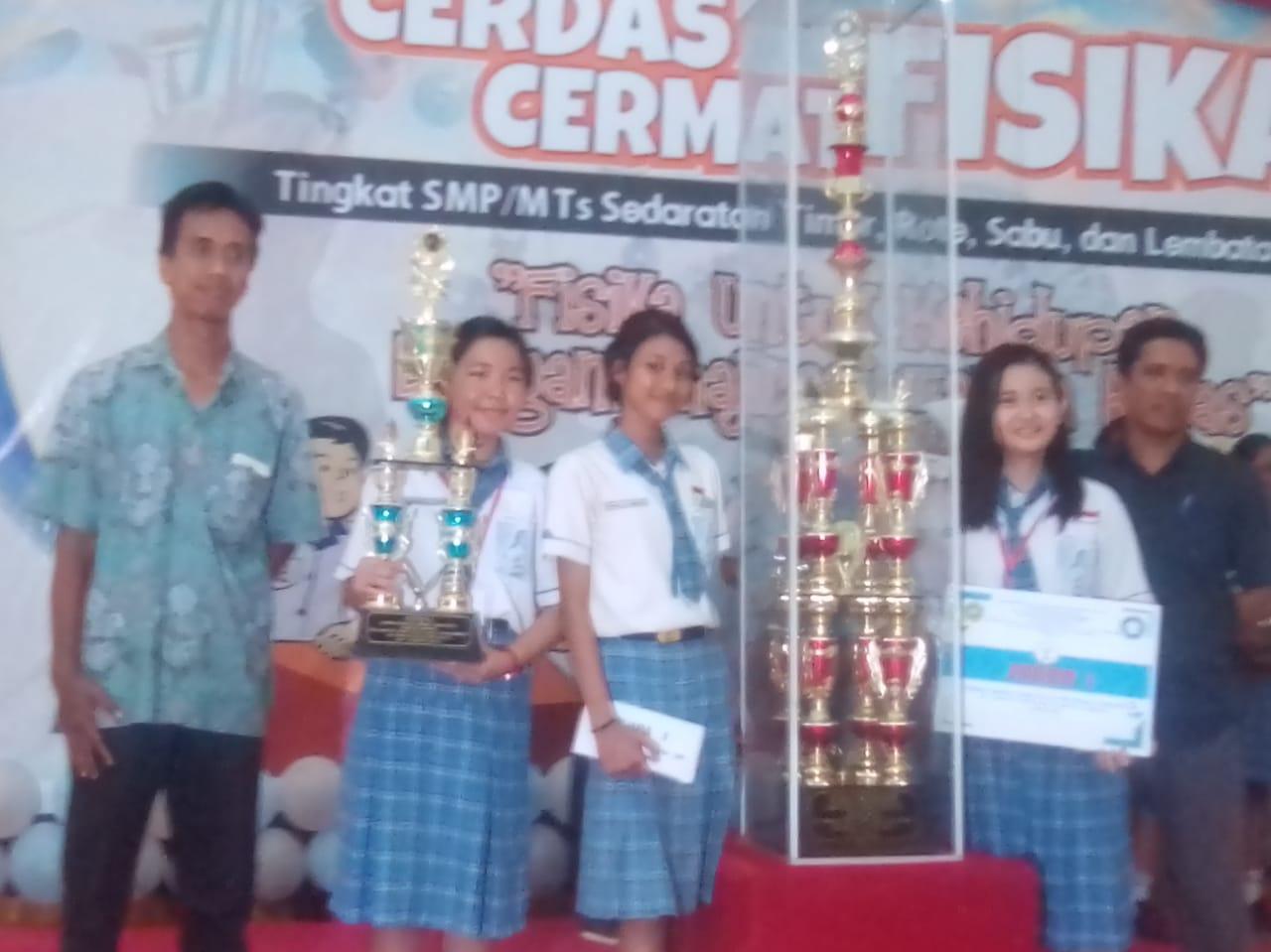 SMP Katolik St.Theresia Kupang Juara CCF tingkat SMP/M.Ts Sedaratan Timor, Rote, Sabu dan Lembata.